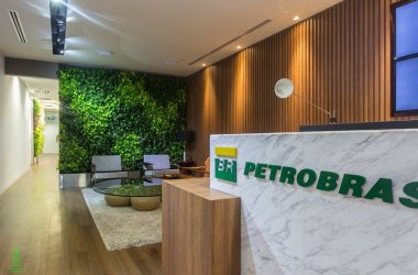PROJECT: Petrobras COUNTRY: Singapore